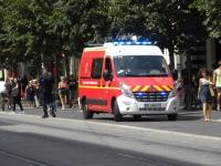 Jan Szumiał: Ambulans ratownictwa medycznego na drodze