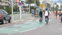Zejdź z roweru i go poprowadź