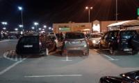 Czy to parkowanie pojazdów? Czy może ich porzucanie? Skomentujcie sami