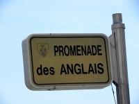 Jeszcze beztroski poranek na Promenade des Anglais w Nicei - fotoreportaż