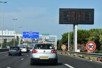 Francja: 12. punktów i zakaz poruszania się po drogach też dla obcokrajowców