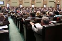 Policjant z terminalem płatniczym - Sejm uchwalił