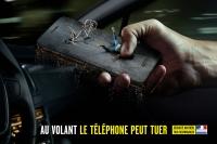 Telefonowanie odwraca uwagę od drogi (3)