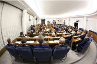 Senat przyjął (bez poprawek) ustawę o elektromobilności