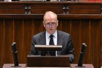 Błąd tkwi w tym, że egzaminatorzy są zależni od szefów word-ów – mówi wiceminister M. Chodkiewicz