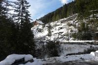 W zimie pod górkę