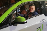 Pamiętajmy, pojazdy elektryczne są nową technologią – radzi Rafał Michalczak