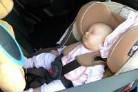 Sara Kurlit. Dziecko na przednim fotelu?