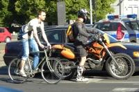 Sprawcami potrąceń pieszych są też motocykliści i rowerzyści