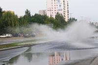 W deszczu łatwiej o kolizję z udziałem pieszego