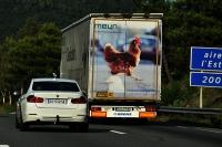 Połowa ofiar wypadków z udziałem samochodów ciężarowych to podróżujący autami osobowymi