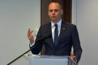 Minister w sprawie sytuacji w word-ach