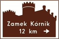 Logotyp UNESCO na znakach drogowych